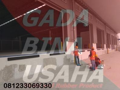 Pemasangan Karet Bumper Loading Dock